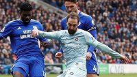 Gonzalo Higuaín má podle trenéra fotbalistů Chelsea Maurizia Sarriho problém s adaptací v anglické lize