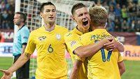 Ukrajinští fotbalisté se radují z branky (ilustrační foto)