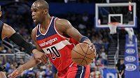 Spoluhráč basketbalisty Tomáše Satoranského z Washingtonu Jodie Meeks se před začátkem play off NBA dostal do problémů kvůli pozitivnímu dopingovému testu. Vedení zámořské ligy ho suspendovalo na 25 zápasů.