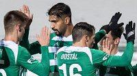Fotbalisté Bohemians oslavují gól na 1:0 během utkání s Příbramí.