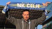 Trenér Jiří Jarošík na stadionu NK Celje.