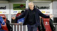 Trenér Christian Streich i nadále povede fotbalisty Freiburgu