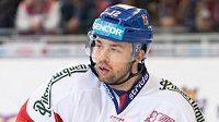 Hokejový útočník Dominik Simon.
