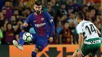 Španělský obránce Barcelony Gerard Piqué v zápase La Ligy proti Eibaru.