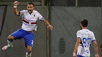 Fabio Quagliarella se raduje z gólu Sampdorie na hřišti Fiorentiny.