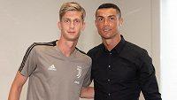 Český mladík Roman Macek a jeho nový parťák v Juventusu - slavný Cristiano Ronaldo.