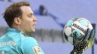 Brankář Manuel Neuer musí Bayern podržet v hektickém období.