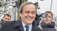 Vždy s úsměvem... Suspendovaný předseda Evropské fotbalové unie Michel Platini dorazil do sídla FIFA v Curychu na slyšení ohledně svého odvolání proti osmiletému zákazu působení ve fotbale.