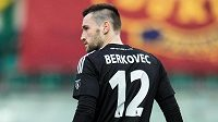 Brankář Bohemians Martin Berkovec se vrátil na hřiště.