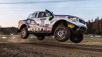 Tomáš Ouředníček patří k nejzkušenějším automobilovým závodníkům. Na Dakarské rallye vybojoval dosud nejlepší české umístění – v roce 2009 skončil sedmý.