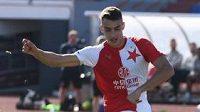 Petar Musa, útočník Slavie, proměňuje penaltu v rozstřelu po přípravném utkání s Aarhusem na Atlantic Cupu v Portugalsku.