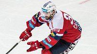 Obránce Petr Čáslava už nebude kapitánem hokejistů Pardubic.