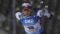 Česká biatlonistka Lucie Charvátová během sprintu v Novém Městě na Moravě.