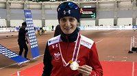 Martina Sáblíková se raduje ze třetího místa v závodě SP na 3000 metrů v Japonsku.