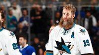 Elitní hokejový útočník Joe Thornton by měl i nadále hrát za San Jose