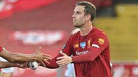 Pro kapitána fotbalistů Liverpoolu Jordana Hendersona ziskem prvního anglického titulu po 30 letech nic nekončí
