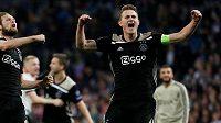 Prezident fotbalistů Barcelony Josep Maria Bartomeu potvrdil zájem o devatenáctiletého kapitána a stopera Ajaxu Amsterodam Matthijse de Ligta