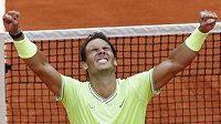 Tenhle pocit se nikdy neomrzí... Rafael Nadal je opět králem Paříže.