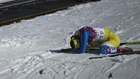 Ukrajinská běžkyně Marina Lisogorová v cíli olympijského závodu na klasické desítce.