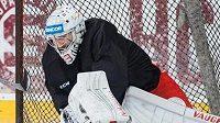 Gólman Pavel Francouz na tréninku české hokejové reprezentace.