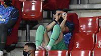 Hvězda Realu Madrid Gareth Bale se i na lavičce Realu dobře baví.