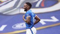 Osmatřicetiletý fotbalový útočník Jermain Defoe prodloužil s Glasgow Rangers smlouvu do konce příští sezony.