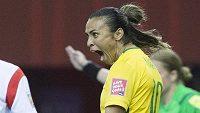 Brazilská fotbalistka Marta se raduje z gólu proti Jižní Koreji.