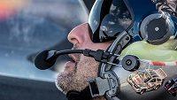 Petr Kopfstein v kokpitu svého letadla.