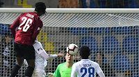 Sparťan Costa střílí gól v Liberci.