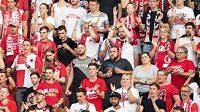 Fanoušci Slavie na tribuně Jih během utkání s Olomoucí.