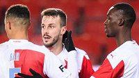 Fotbalisté Slavie Praha Oscar Dorley, Alexander Bah, Jakub Hromada a Abdallah Sima během utkání se Sigmou Olomouc.
