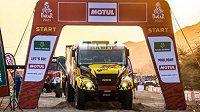 Macíkův kamion na startu Dakaru.