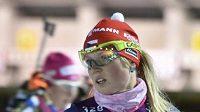 České závodnice (zleva) Gabriela Koukalová a Eva Puskarčíková se spolu s dalšími biatlonisty připravovaly v Novém Městě na Moravě na závody Světového poháru.