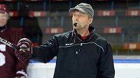 Trenér Josef Jandač během prvního tréninku Sparty na ledě před nadcházející sezónou.