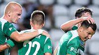 Fotbalisté Bohemians oslavují gól na 4:0 během utkání s Mladou Boleslaví.