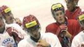 Hokejisté Slavie začali přípravu na ledě.