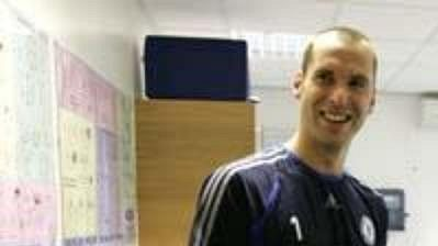 Petr Čech s trenérem Mourinhem.