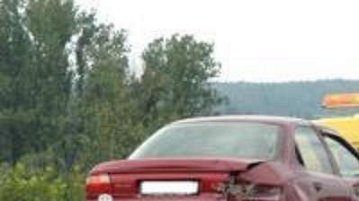 Vůz poškozený po nárazu mercedesu Martina Ručinského.