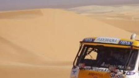 Tatra Karla Lopraise během Rallye Dakar.