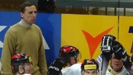 Střídačka hokejistů Znojma.