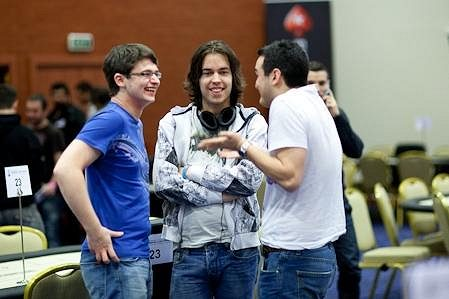 Dominik s kamarády během EPT Loutraki
