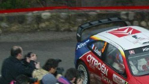 Francouz Sébastien Loeb jedoucí na voze Citroën Xsara WRC je po první etapě Rallye Monte Carlo v čele.