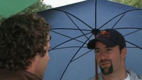 Aleš Valenta při rozhovoru s novináři.