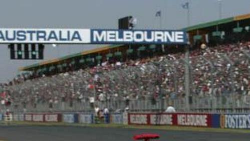 David Coulthard na mclarenu na okruhu při kvalifikaci na Velkou cenu Austrálie.