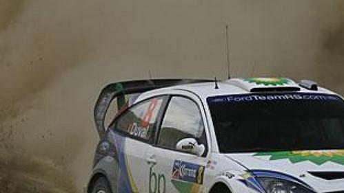 Belgičan Francois Duval s fordem na trati čtvrtečního shakedownu Mexické rallye.
