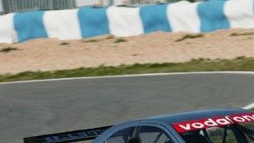 Jean Alesi za volantem vozu AMG Mercedes C-Klasse při testování na Masarykově okruhu v Brně.