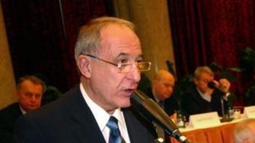 Milan Jirásek při projevu během volby předsedy Českého olympijského výboru