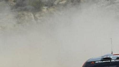 Harri Rovanpera s mitsubishi na trati Mexické rallye.