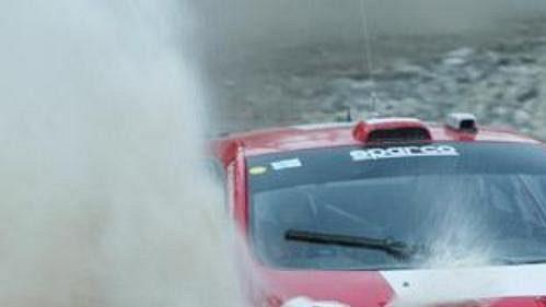 Harri Rovenpera s peugeotem na trati Turecké rallye.