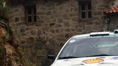Gardermeister na trati Rallye Korsika.